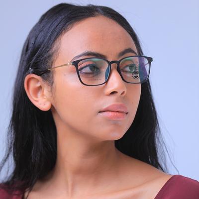 Eyeglass12